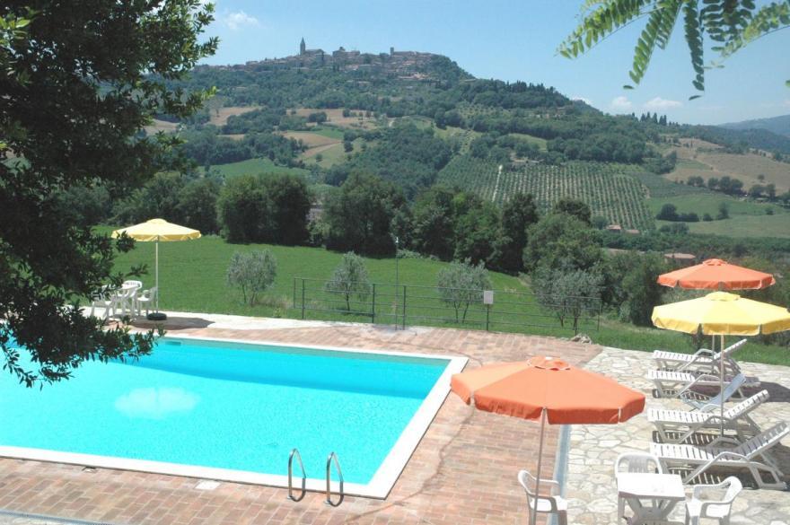 Umbria The Panoramic Swimming Pool Near Todi Casale